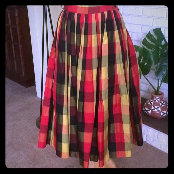 625f01fa6 Vintage 1950s Tartan Plaid Taffeta Skirt. M_5b4102a803087c4aefe995f7